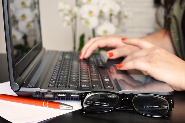 כתיבת תוכן שיווקי באנגלית